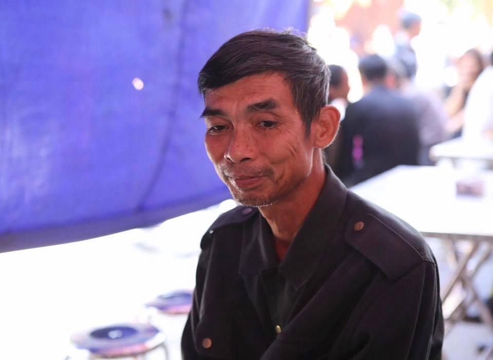 Nghẹn ngào nước mắt trước hoàn cảnh của gia đình Đinh Hữu Dư - phóng viên tử nạn khi tác nghiệp trong trận lũ quét - Ảnh 4.