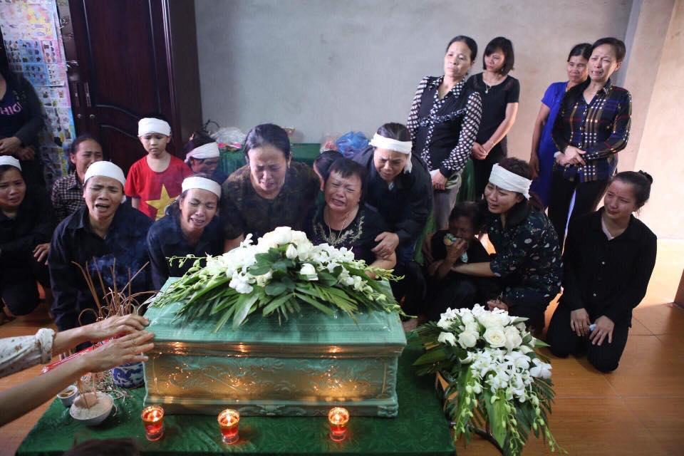 Nghẹn ngào nước mắt trước hoàn cảnh của gia đình Đinh Hữu Dư - phóng viên tử nạn khi tác nghiệp trong trận lũ quét - Ảnh 6.