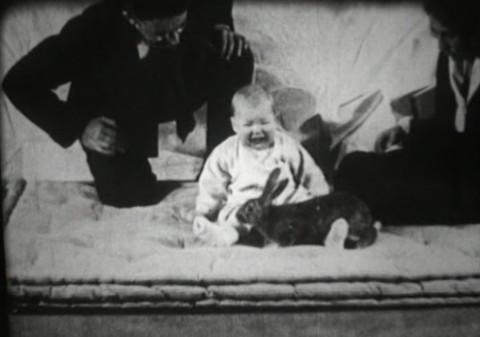 Albert bé nhỏ - một trong những thí nghiệm tàn ác nhất với trẻ em xuyên suốt lịch sử loài người - Ảnh 1.