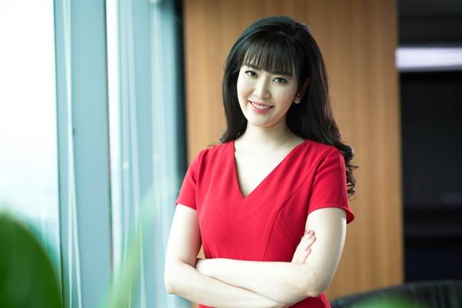 Hoa hậu Thu Thủy nói gì về cáo buộc cướp chồng của em họ? - Ảnh 1.