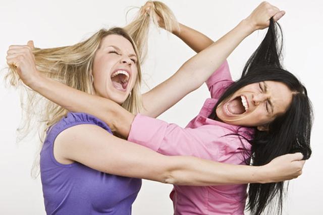 Những trận đánh ghen kinh hoàng của phụ nữ: Khi nạn nhân của tình cảm trở thành tội phạm của luật pháp - Ảnh 4.