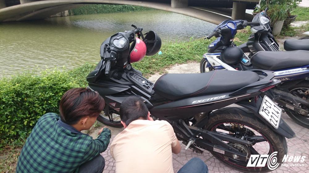 Sốc: Cửa hàng Yamaha sơn lại màu xe Exciter bán cho khách với giá cao - Ảnh 1.