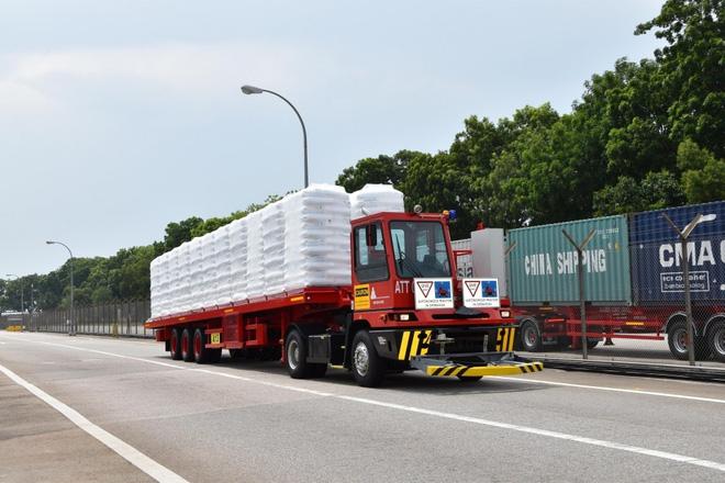 Singapore trở thành quốc gia đầu tiên của châu Á thử nghiệm xe tải tự lái - Ảnh 1.