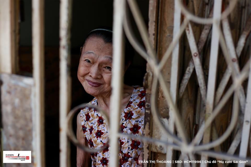 Bức ảnh Nụ cười Sài Gòn đoạt giải tại cuộc thi Canon PhotoMarathon 2017 gây tranh cãi - Ảnh 1.