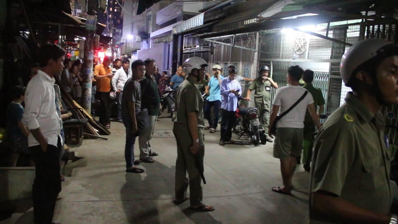 Vụ án mạng kinh hoàng ở Sài Gòn: Vì say nắng tình nên đâm 30 nhát vẫn còn quay lại cắt cổ nạn nhân - Ảnh 2.