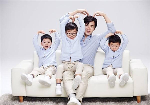Ông bố quốc dân xứ Hàn và cách dạy 3 con sinh ba đến chuyên gia tâm lý cũng phải khen ngợi - Ảnh 1.