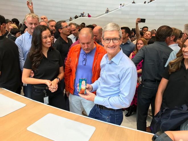 Đừng lo, iPhone X sẽ giảm giá nhanh thôi! - Ảnh 1.
