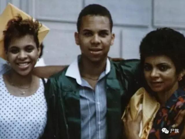 6 năm sau ngày con trai chết, gia đình nhận được bức ảnh hiện trường hé lộ vụ án bí ẩn không lời đáp - Ảnh 2.