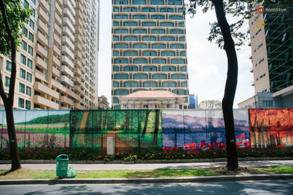 Khi graffiti nửa mùa xuất hiện tràn lan ở Sài Gòn: Đến cả những tấm pano rất đẹp cũng đã bị bôi bẩn - Ảnh 1.