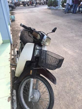 Bực tức vì trả tiền thừa không đúng, nam thanh niên mua xăng đốt tiệm tạp hóa ở Sài Gòn - Ảnh 1.
