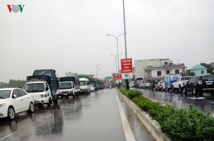 Ảnh: Cuộc sống của người dân Quảng Nam đảo lộn vì mưa lũ - Ảnh 8.