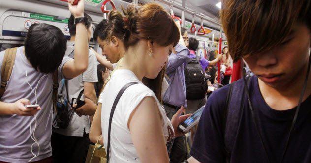 10 nguy cơ cho thấy đại dịch smartphone đang dần gặm nhấm và xâm chiếm hết Trái Đất rồi - Ảnh 5.