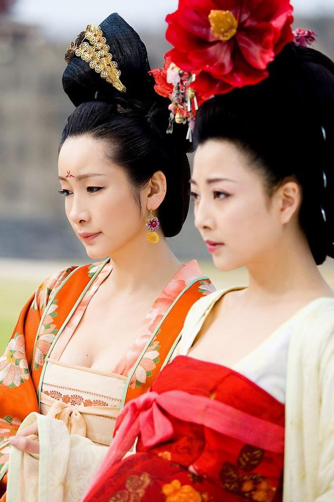 Hoàng hậu xinh đẹp mà vô đạo bậc nhất Trung Hoa xưa: Vu oan em gái để cướp ngôi, ngoại tình với thái giám, hãm hại vua - Ảnh 2.