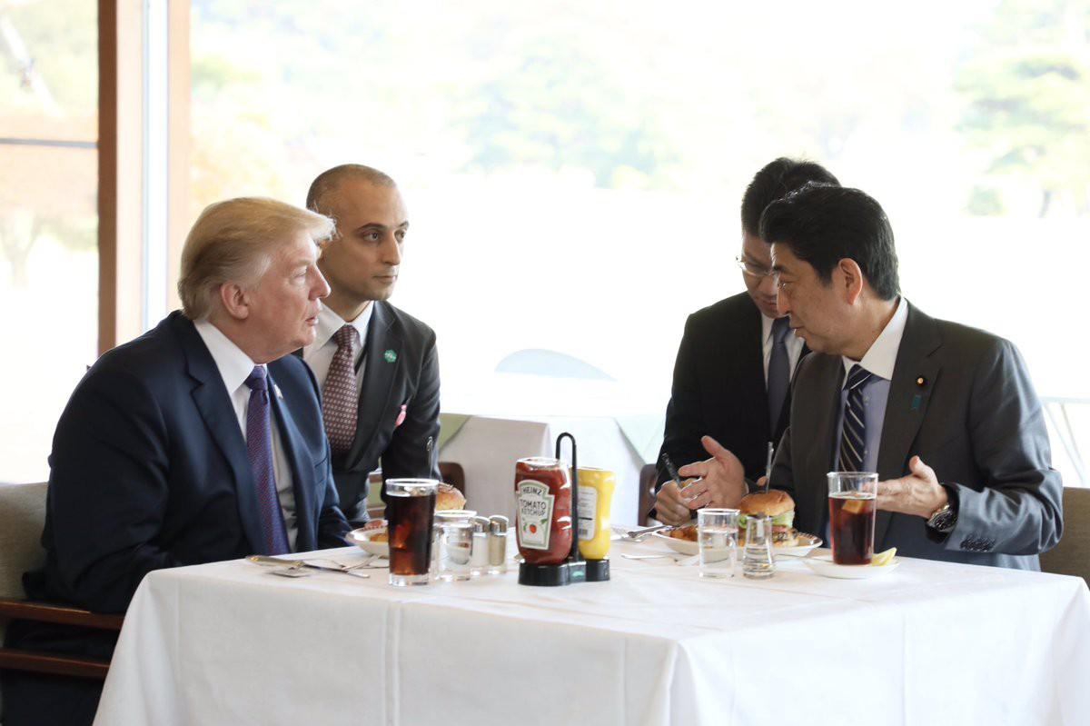 Thực đơn nghìn đô của Tổng thống Trump khi tới châu Á: nước tương 360 năm tuổi, thịt bò cực phẩm Wagyu - Ảnh 1.