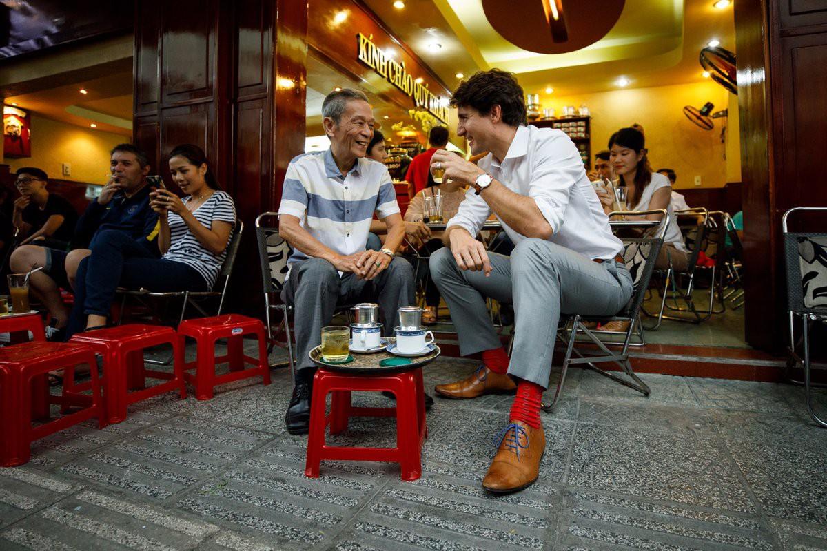 Nhìn lại những khoảnh khắc ấn tượng của Thủ tướng Canada Justin Trudeau trong 4 ngày ở Việt Nam - Ảnh 9.