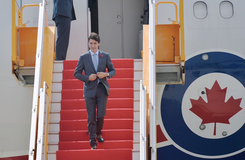 Nhìn lại những khoảnh khắc ấn tượng của Thủ tướng Canada Justin Trudeau trong 4 ngày ở Việt Nam - Ảnh 11.