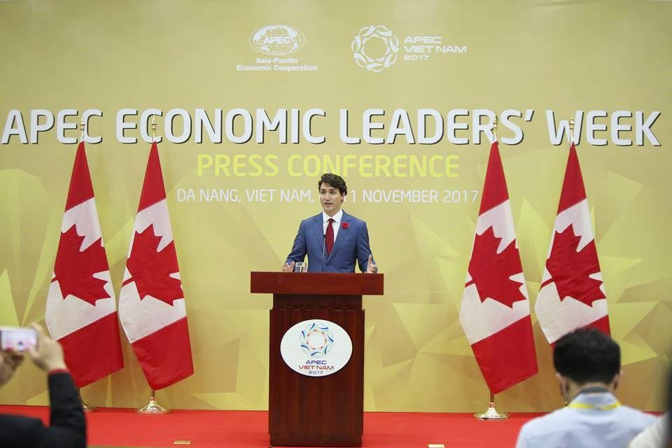 Nhìn lại những khoảnh khắc ấn tượng của Thủ tướng Canada Justin Trudeau trong 4 ngày ở Việt Nam - Ảnh 13.