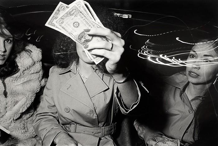 Suốt 30 năm, người tài xế taxi New York cần mẫn chụp ảnh và cho ra đời những tác phẩm kinh ngạc - Ảnh 12.