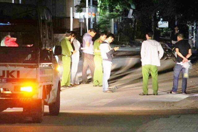 TP. HCM: Thấy khách thuê phòng lâu không ra, nhân viên báo cảnh sát phá cửa thì phát hiện đôi nam nữ tử vong bất thường - Ảnh 1.