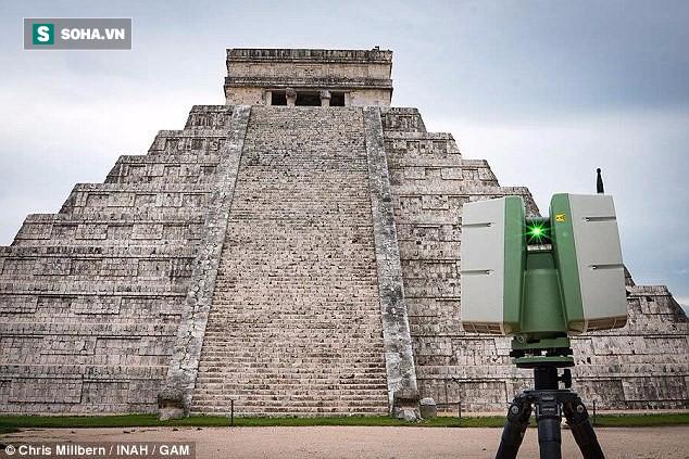 Khám phá bí mật thần Rắn trong hang nước ngầm bên dưới kim tự tháp Maya - Ảnh 1.