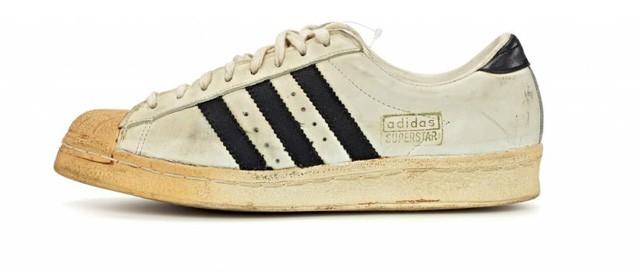 Cả Việt Nam đi Stan Smith, đây là 3 đôi sneakers trắng khác để bạn đổi gió cho đỡ đụng hàng - Ảnh 4.