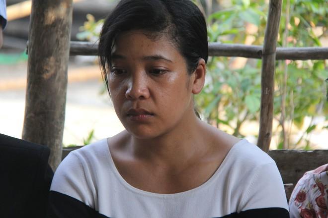 Vụ bé gái 13 tuổi Cà Mau uống thuốc tự tử nghi bị hàng xóm xâm hại: Đề nghị truy tố nghi can - Ảnh 1.