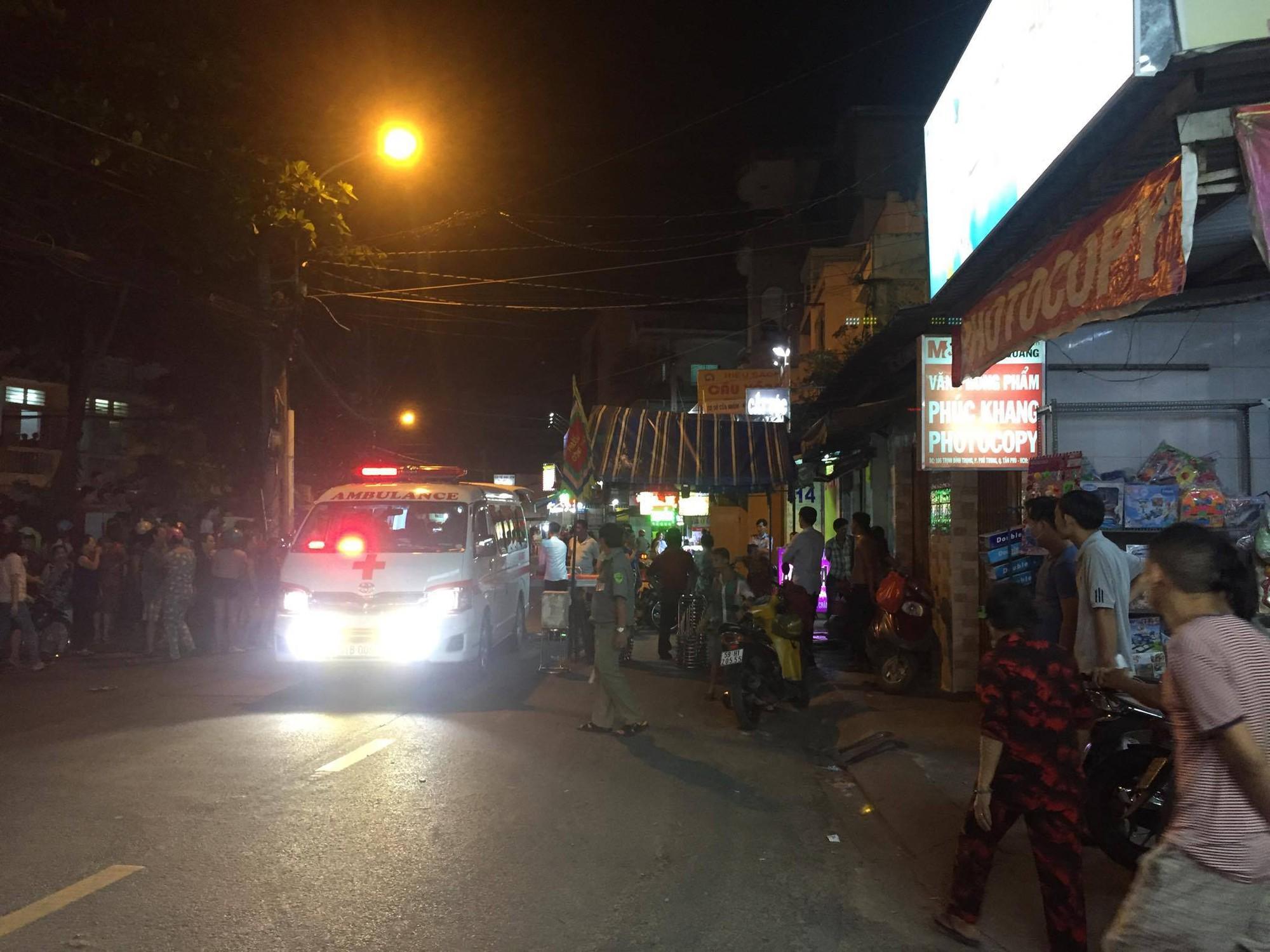 Đang đi mua bánh, bé trai 6 tuổi bị bảo vệ dân phố dùng dao sát hại giữa đường Sài Gòn - Ảnh 4.