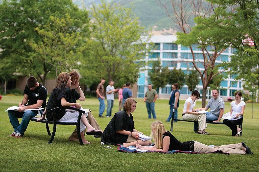 Mẹo quản lý thời gian đơn giản cho sinh viên đại học - Ảnh 1.