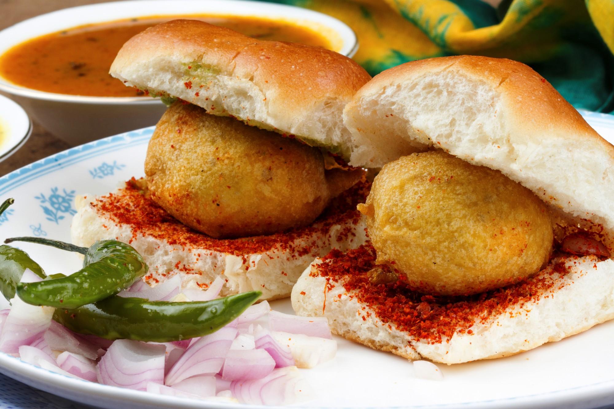 Báo chí nước ngoài ngợi khen bánh mì Việt Nam, xếp hạng trong top 10 món sandwich ngon nhất thế giới - Ảnh 5.