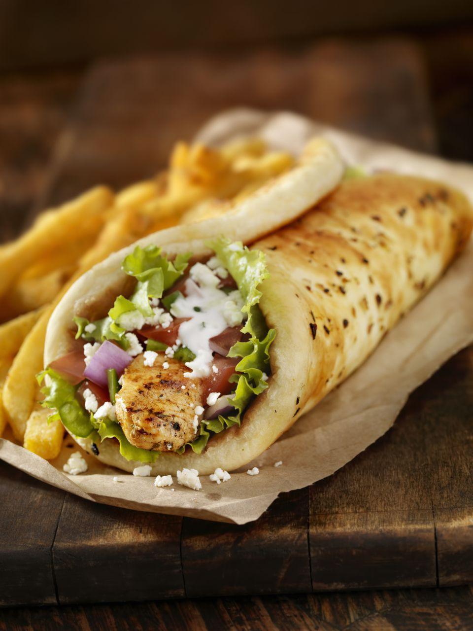 Báo chí nước ngoài ngợi khen bánh mì Việt Nam, xếp hạng trong top 10 món sandwich ngon nhất thế giới - Ảnh 10.