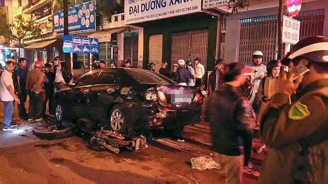 Đà Nẵng: Truy tìm người phụ nữ điều khiển ô tô gây tai nạn liên hoàn trong đêm rồi bỏ trốn - Ảnh 1.