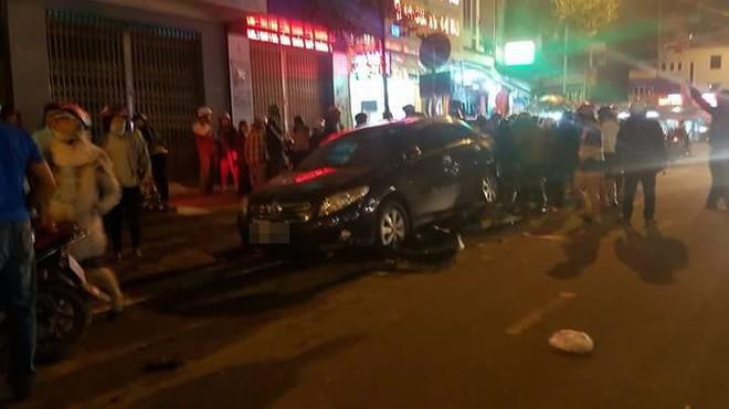 Đà Nẵng: Truy tìm người phụ nữ điều khiển ô tô gây tai nạn liên hoàn trong đêm rồi bỏ trốn - Ảnh 2.