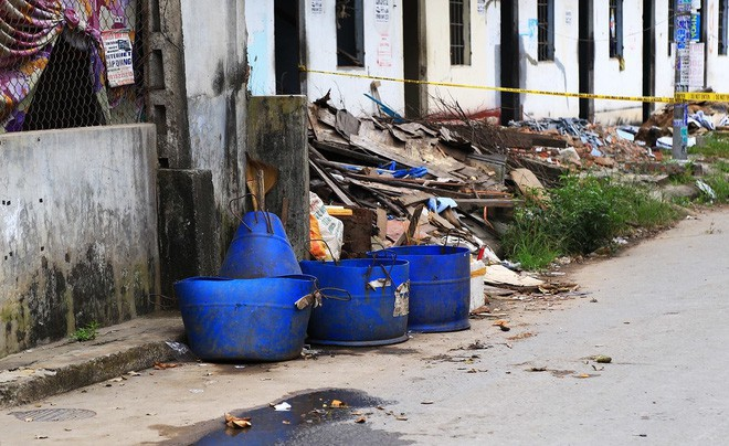Vụ vợ sát hại, vứt đầu chồng vào thùng rác: Cả khu trọ bàng hoàng, nhiều người chuyển tạm nơi khác vì mùi hôi thi thể - Ảnh 1.