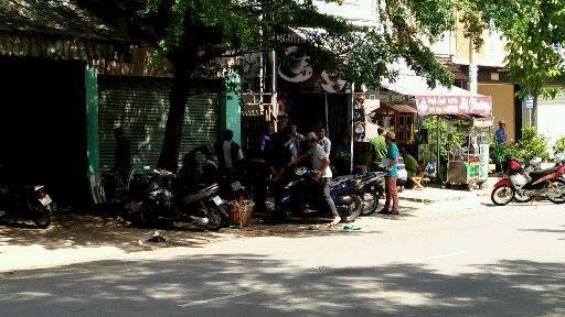 Nam thanh niên 21 tuổi chết trong tư thế treo cổ trong nhà vệ sinh ở tiệm game bắn cá Sài Gòn - Ảnh 1.