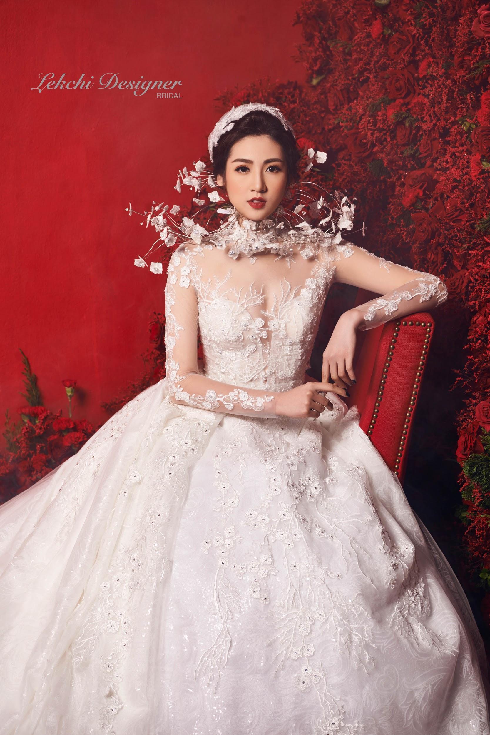Á hậu Tú Anh hoá công chúa tuyết trong mẫu váy cưới gắn kim cương cực lộng lẫy của NTK Lek Chi - Ảnh 1.