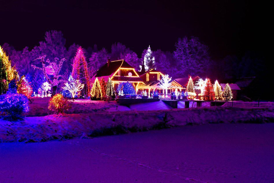 Không khí Giáng sinh ngập tràn trên toàn thế giới - Ảnh 17.