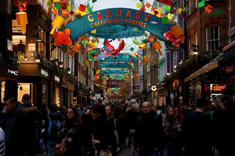 Giáng sinh rực rỡ muôn sắc màu trên toàn thế giới: Hân hoan niềm vui và bao lời chúc nhau an lành! - Ảnh 4.