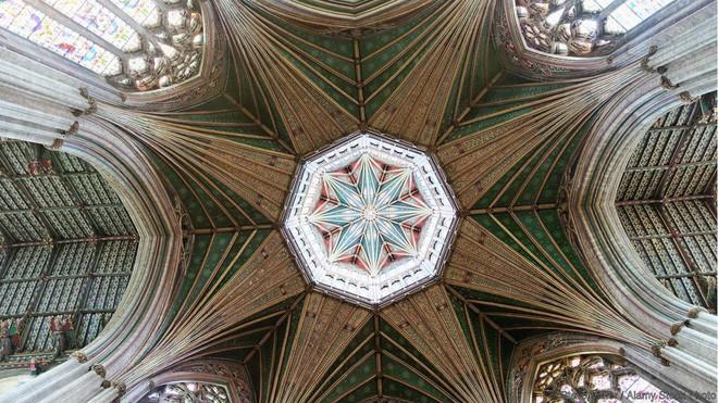 Đây là 10 trần nhà đẹp nhất thế giới, ngắm mỏi cổ cũng không thấy chán - Ảnh 2.