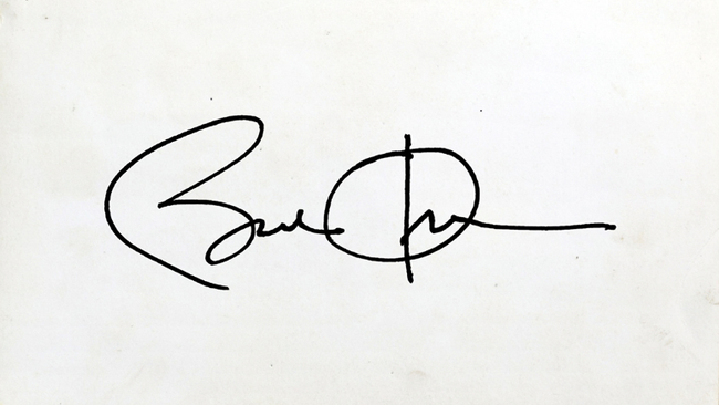 Đâu chỉ giới trẻ Việt Nam, nhiều người nổi tiếng thế giới cũng có quả chữ ký vô cùng bá đạo! - Ảnh 1.