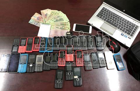 Tú Bà tổ chức bán dâm công nghệ qua mã số, có 30 điện thoại để giao dịch - Ảnh 2.