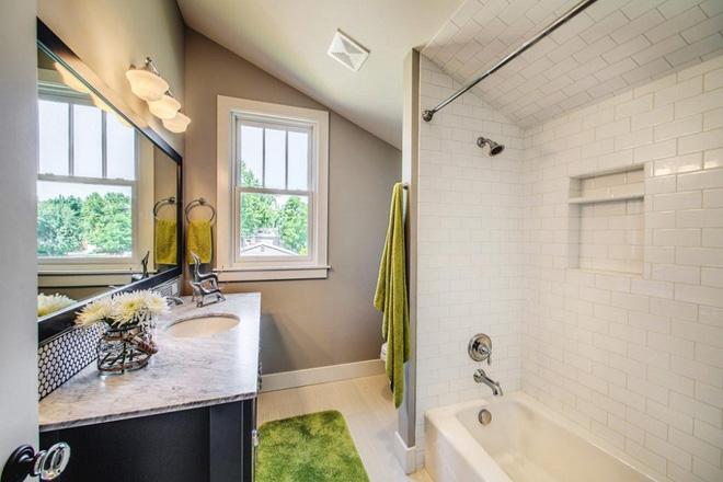 14 thiết kế phòng tắm gác mái vừa nhìn qua đã thích ngay - Ảnh 21.
