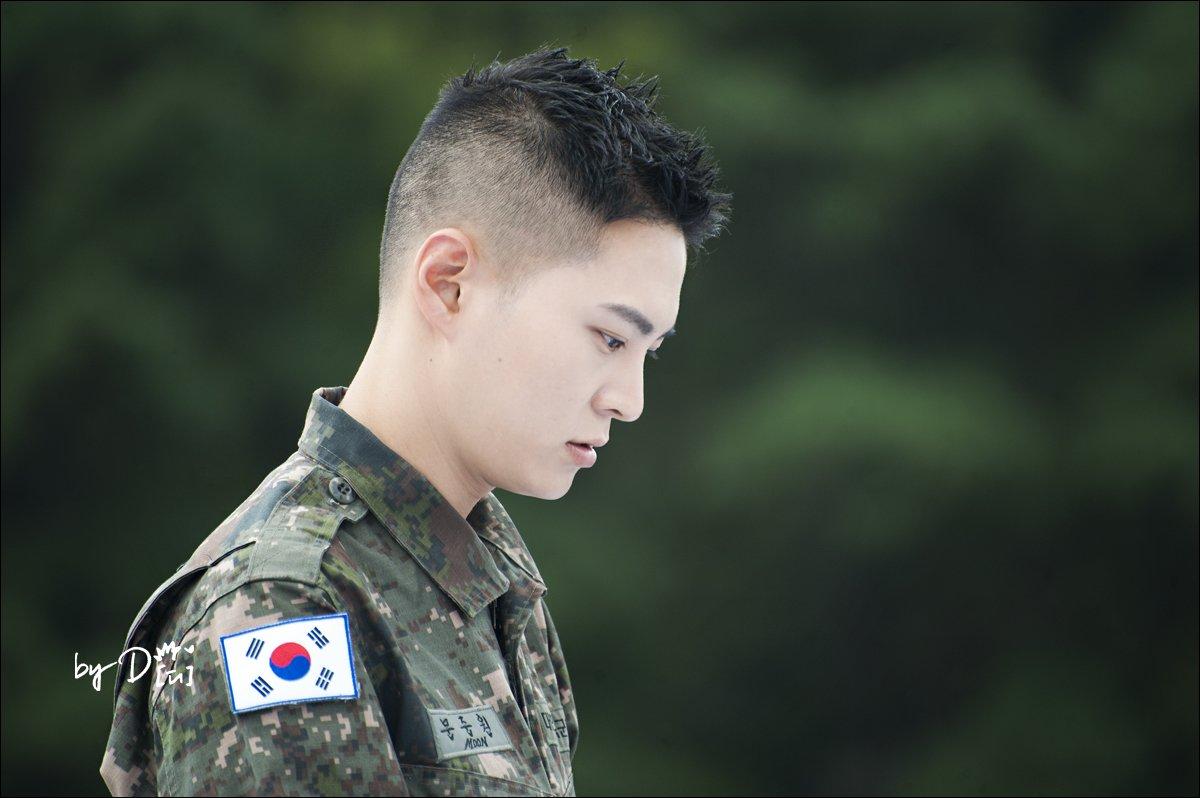 Biệt đội mỹ nam hàng đầu xứ Hàn trong quân ngũ thành hiện tượng vì đẹp hơn cả Hậu duệ mặt trời - Ảnh 11.