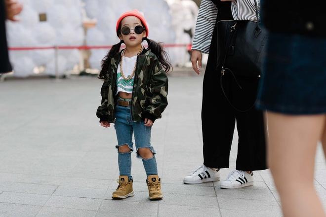 Ai là nhân vật đứng phía sau những nhóc tỳ sành điệu tại Tuần lễ thời trang Seoul? - Ảnh 11.