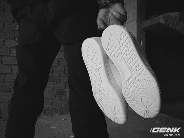 Tự thiết kế, tự sản xuất giày thương hiệu riêng, chàng trai sinh năm 1993 mang khát vọng bảo vệ đôi chân Việt - Ảnh 12.