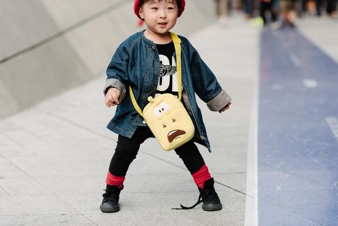Ai là nhân vật đứng phía sau những nhóc tỳ sành điệu tại Tuần lễ thời trang Seoul? - Ảnh 12.