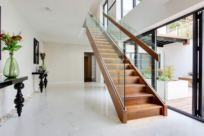 17 thiết kế cầu thang đẹp mắt được kết hợp từ gỗ và kính - Ảnh 21.