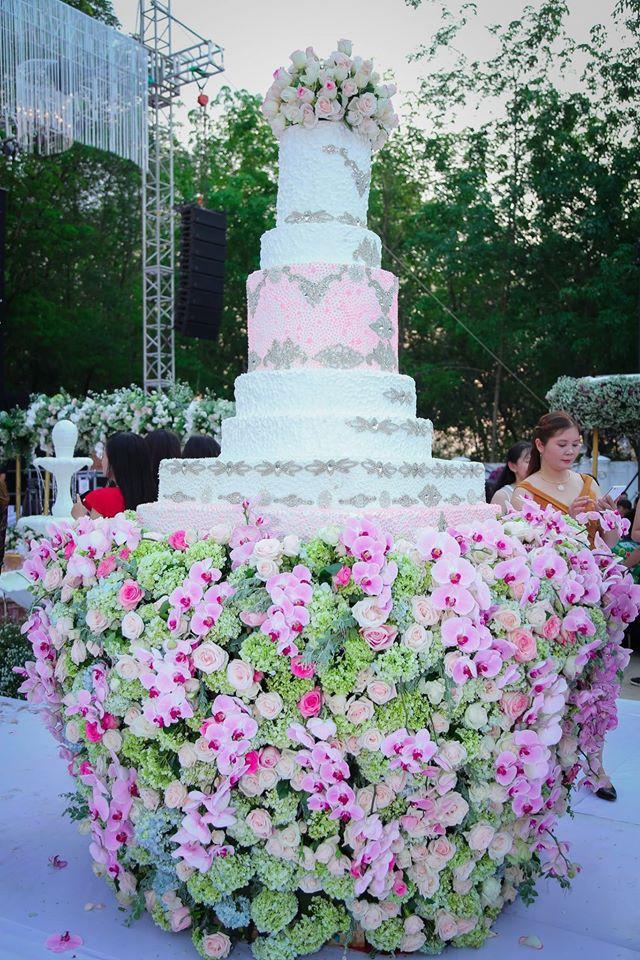 10 đám cưới Việt trong năm 2017 không phải của sao showbiz nhưng cực kỳ xa hoa khiến MXH nô nức chỉ dám nhìn không dám ước - Ảnh 12.