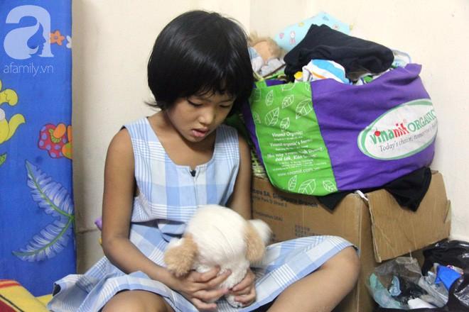 Bố bỏ đi theo vợ nhỏ, bé gái 7 tuổi nghỉ học ở nhà lấy sữa lon pha loãng cho em 2 tháng uống vì không có tiền - Ảnh 12.