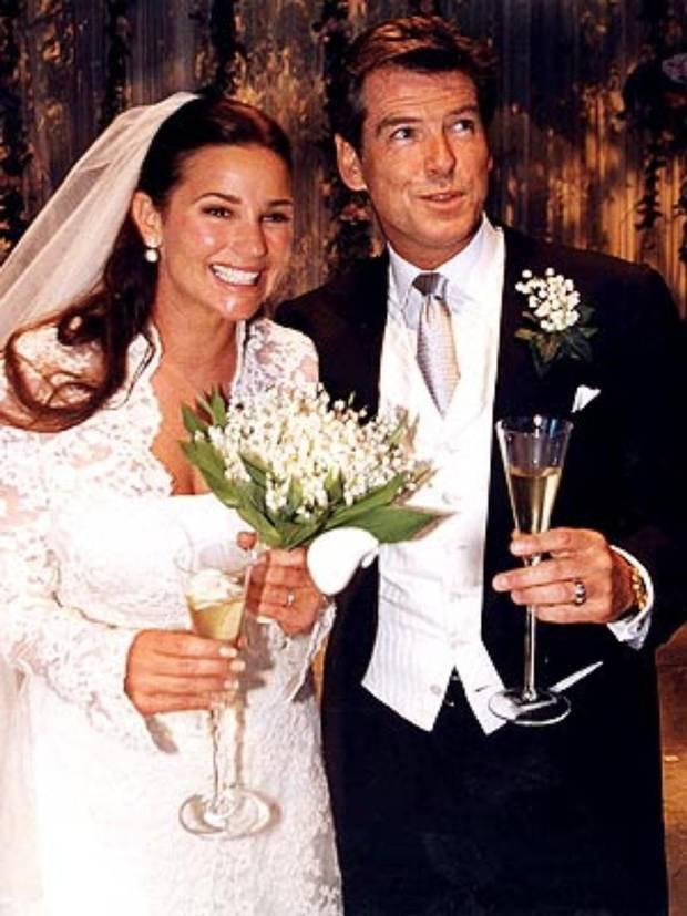 Sau nỗi đau mất vợ con, tài tử Điệp viên 007 tìm được tình yêu mới và họ yêu nhau suốt 23 năm dù cô ấy béo, xấu thế nào - Ảnh 12.