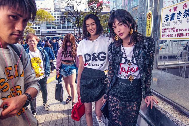 Dolce & Gabbana bị cư dân Trung Quốc chỉ trích vì bôi xấu hình ảnh quốc gia trong loạt hình mới nhất - Ảnh 14.